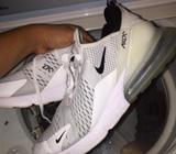 Nike Air Max 270 Originales