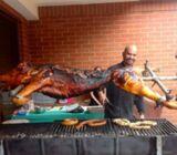 Servicio de catering de cerdo asado, chicharrones y tacos