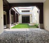 Luminosa y amplia casa nueva en venta